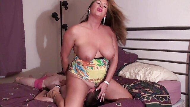 Beste porno keine Registrierung  Mina Moon-Eine enge Muschi Und riesige Titten (2020) erotische reife damen