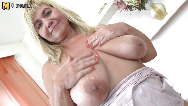 Beste porno keine Registrierung  Silvia Saige-MILF Brünette Silvia Saige Wunderbare Gesichts erotische ältere damen FullHD 1080p