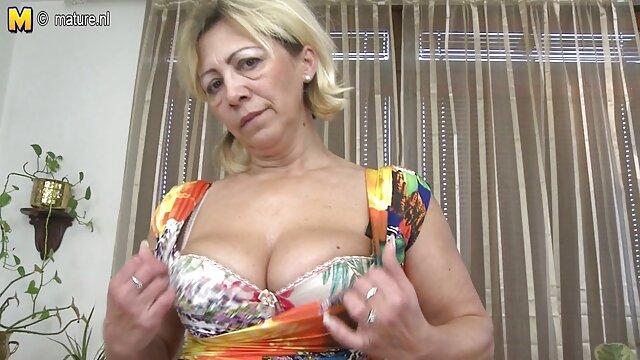 Beste porno keine Registrierung  Unsere Szene beginnt alte damen poppen mit den Bullen, die einen neuen Job annehmen!
