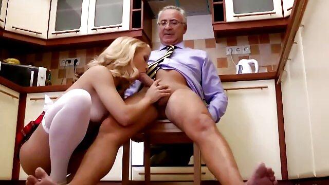 Beste porno keine Registrierung  LegalPorno – brasilianisches T-Mädchen geht gruppensex reife frauen nass, Mariana Lins