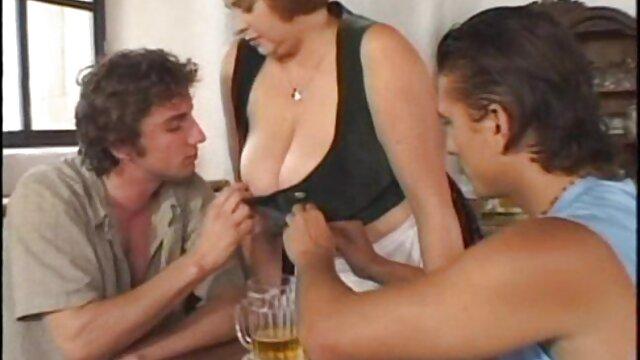 Beste porno keine Registrierung  Bambi Bliss & Miss Demeanor reife geile frauen sex Ficken Mit Sergeant Miles