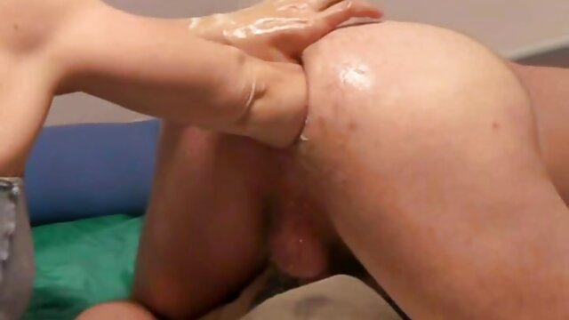 Beste porno keine Registrierung  Lia – Dude feeds petite babe mit Sperma FullHD 1080p erotische ältere damen